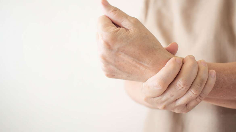Stiffness, hypomobility, arthrosis